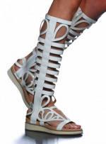 Sandalias altas de Devota y Lomba